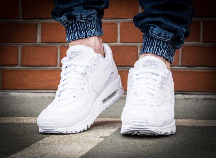 online store ee6ca 4a865 NIKE AIR MAX 90 LEATHER (302519-113) ...