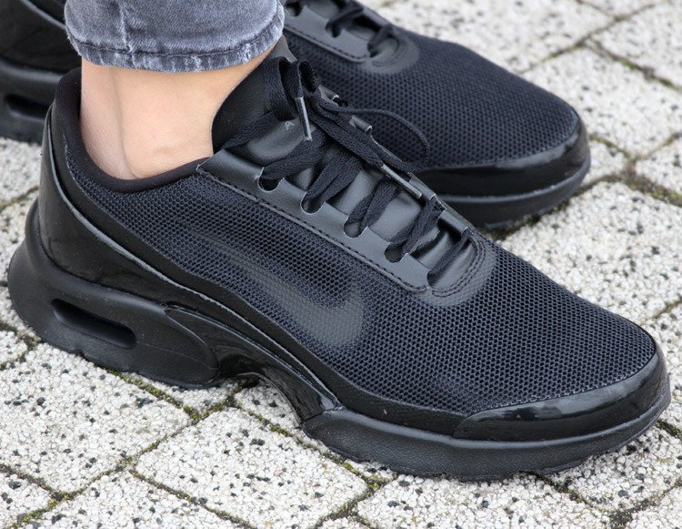 a6a90389e922 ... NIKE AIR MAX JEWELL BLACK (896194-005) ...