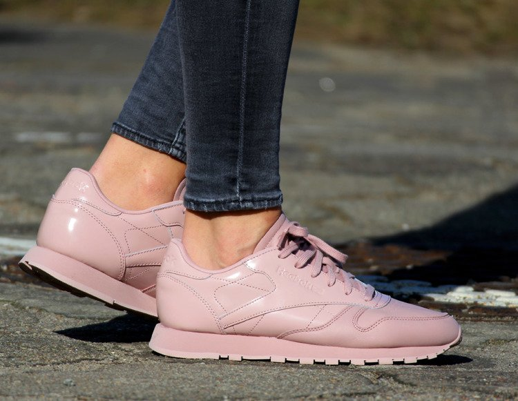 66ee39fe62e2 ... REEBOK CLASSIC LEATHER IL